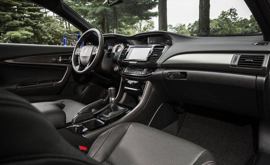 2016 Honda Accord V-6 coupe - Slide 13