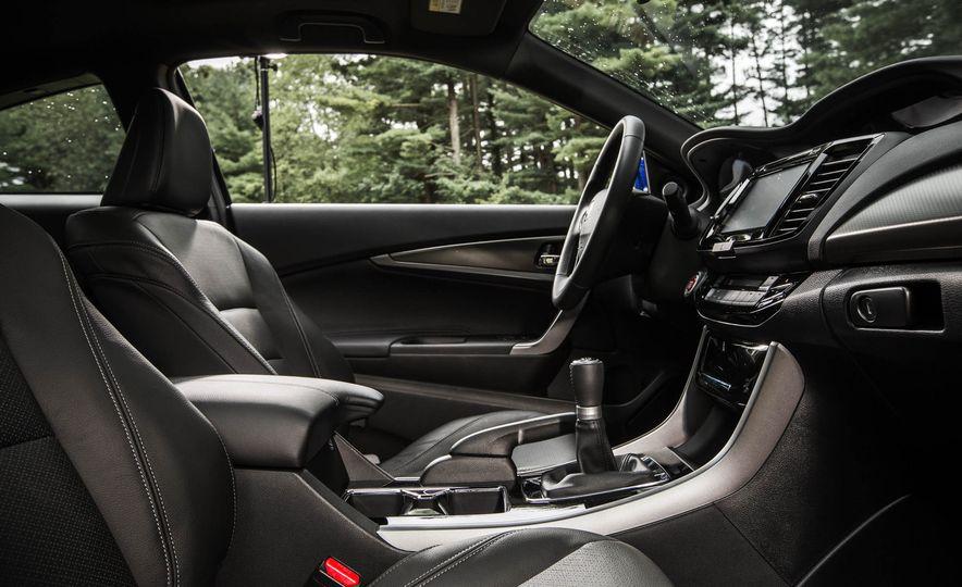 2016 Honda Accord V-6 coupe - Slide 14