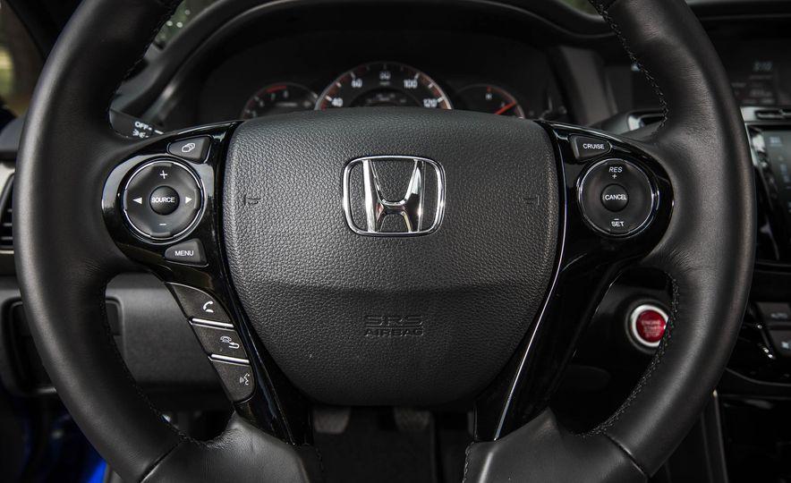2016 Honda Accord V-6 coupe - Slide 17