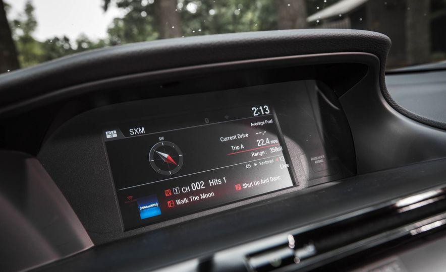 2016 Honda Accord V-6 coupe - Slide 19
