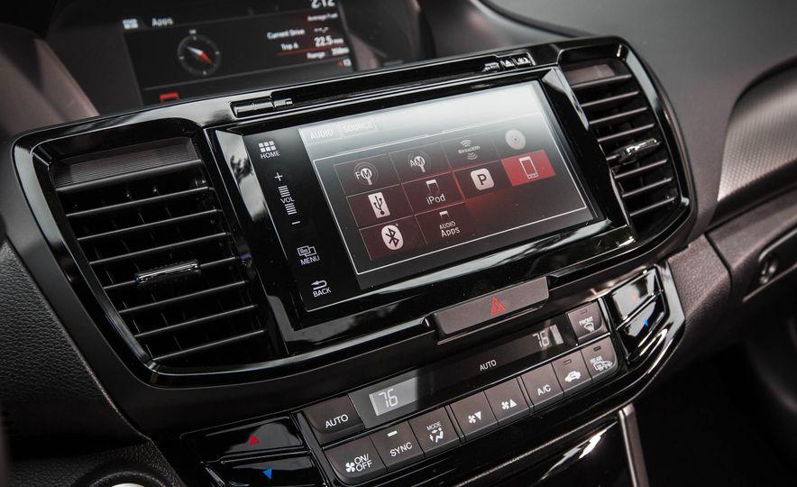 2016 Honda Accord V-6 coupe - Slide 21