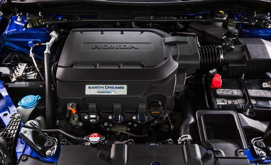 2016 Honda Accord V-6 coupe - Slide 27