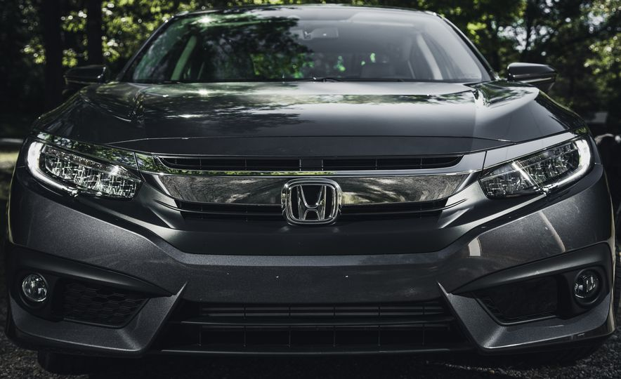 2016 Honda Civic Touring - Slide 3