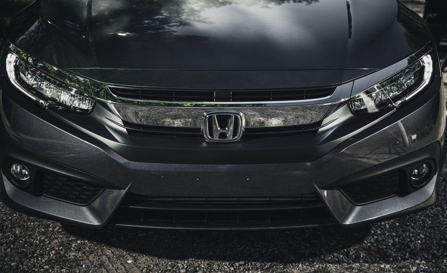 2016 Honda Civic Touring - Slide 4