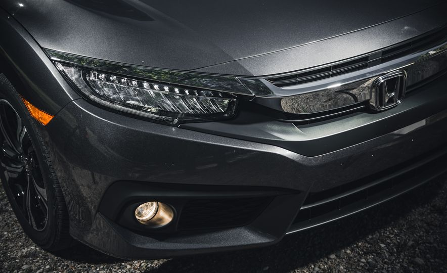 2016 Honda Civic Touring - Slide 5