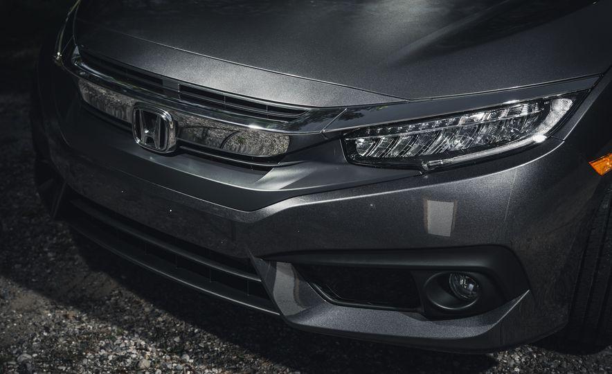 2016 Honda Civic Touring - Slide 6