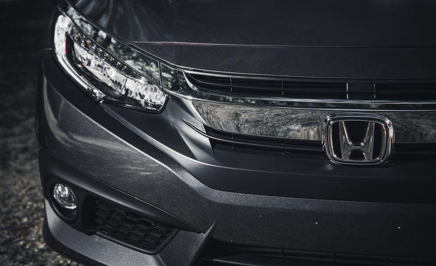 2016 Honda Civic Touring - Slide 7