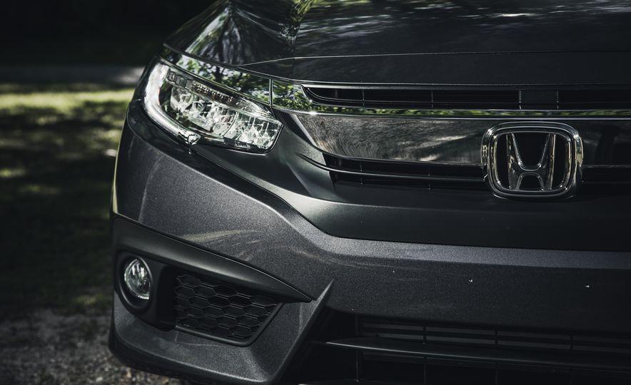 2016 Honda Civic Touring - Slide 8