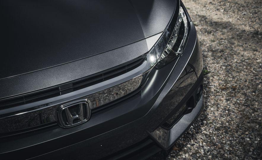 2016 Honda Civic Touring - Slide 9