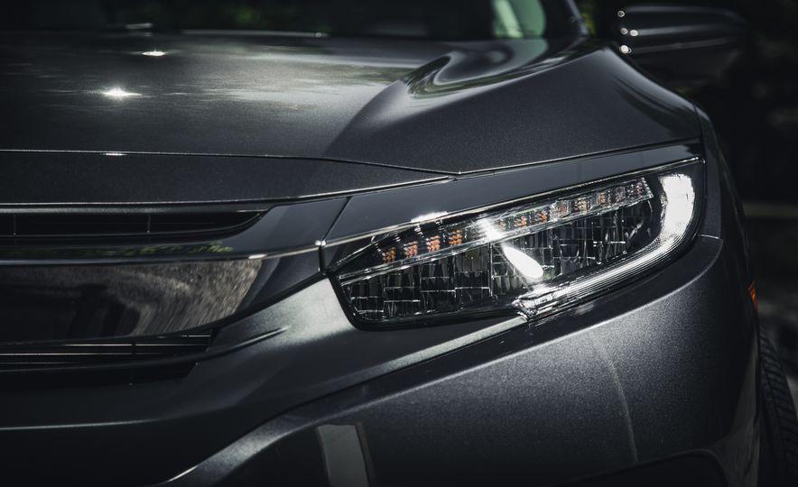 2016 Honda Civic Touring - Slide 12