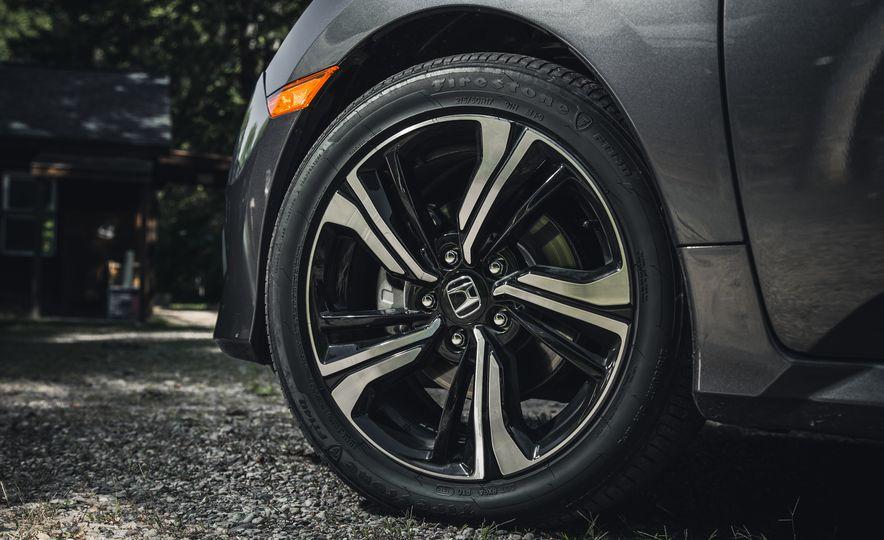 2016 Honda Civic Touring - Slide 14
