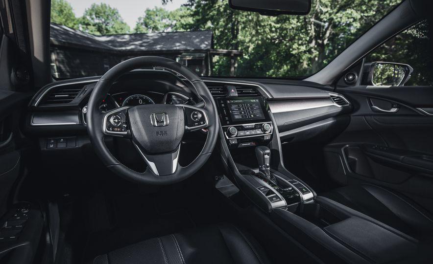 2016 Honda Civic Touring - Slide 21