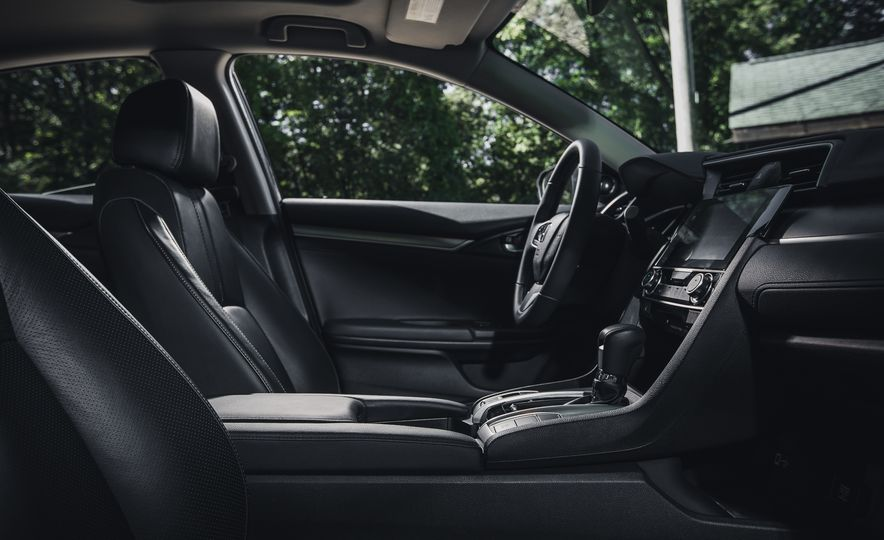 2016 Honda Civic Touring - Slide 23