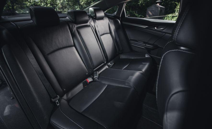 2016 Honda Civic Touring - Slide 29