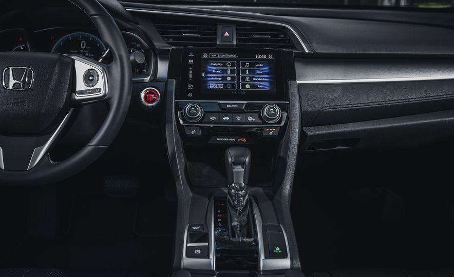 2016 Honda Civic Touring - Slide 31