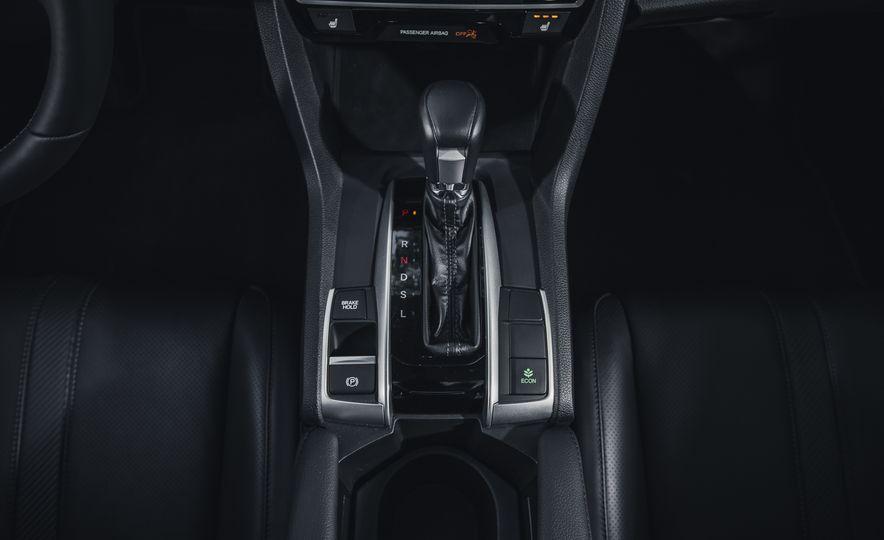 2016 Honda Civic Touring - Slide 33