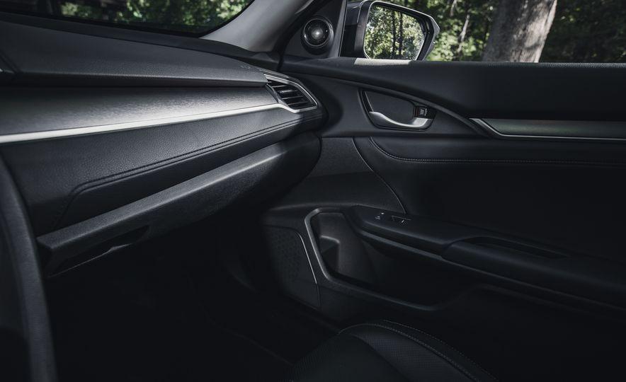 2016 Honda Civic Touring - Slide 40