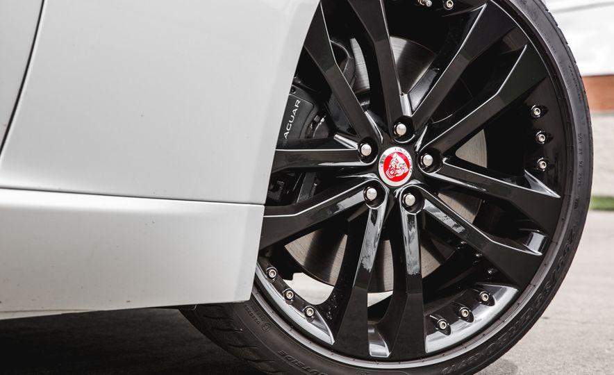 2016 Jaguar F-Type V-6 S coupe - Slide 23
