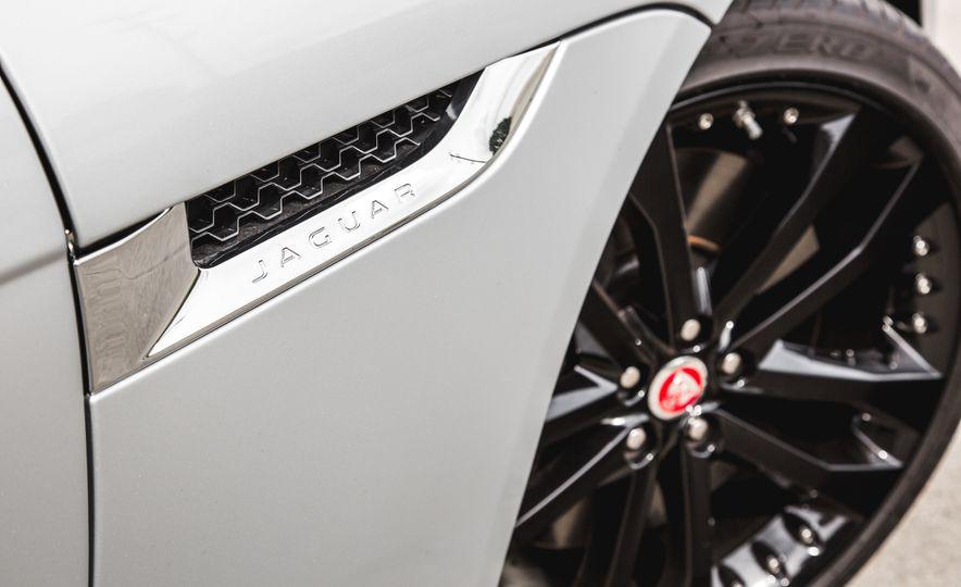 2016 Jaguar F-Type V-6 S coupe - Slide 24