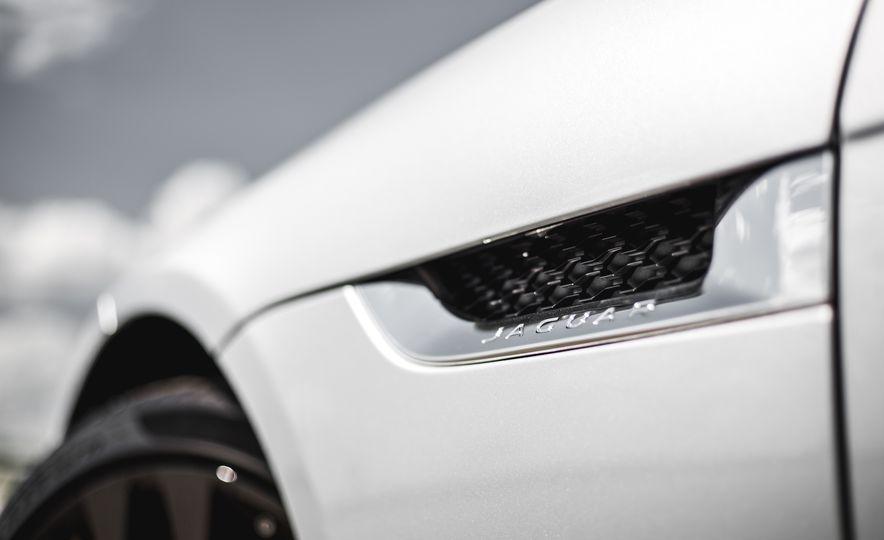 2016 Jaguar F-Type V-6 S coupe - Slide 26