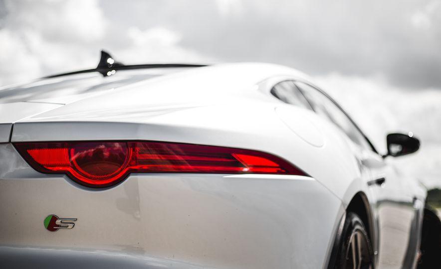 2016 Jaguar F-Type V-6 S coupe - Slide 32