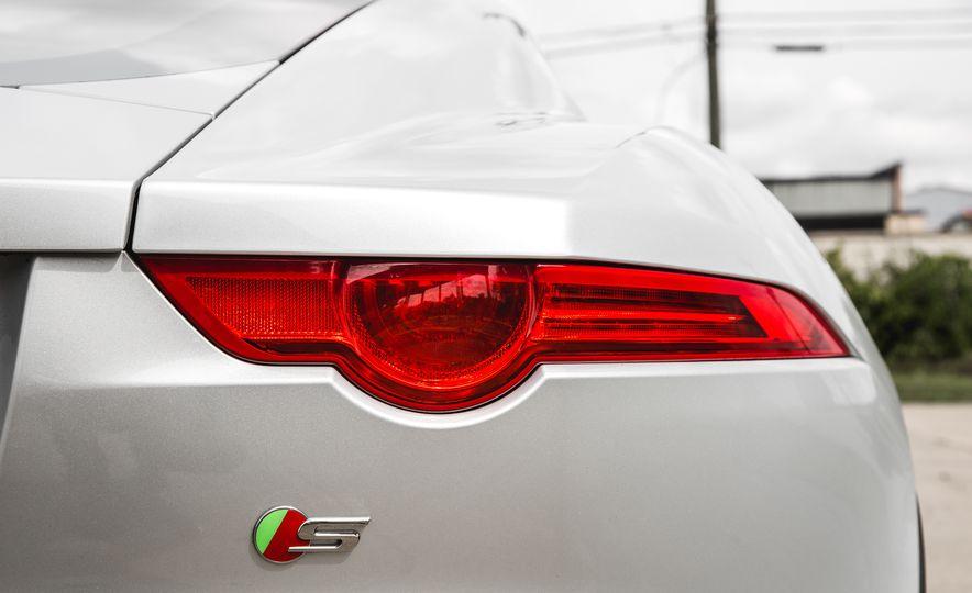 2016 Jaguar F-Type V-6 S coupe - Slide 33