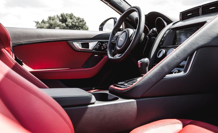 2016 Jaguar F-Type V-6 S coupe - Slide 43