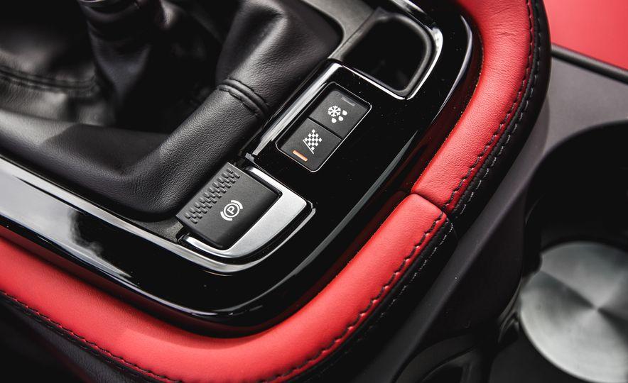 2016 Jaguar F-Type V-6 S coupe - Slide 59