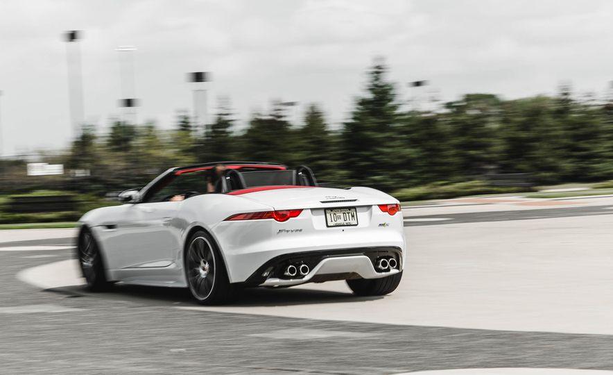 2016 Jaguar F-type R convertible - Slide 2