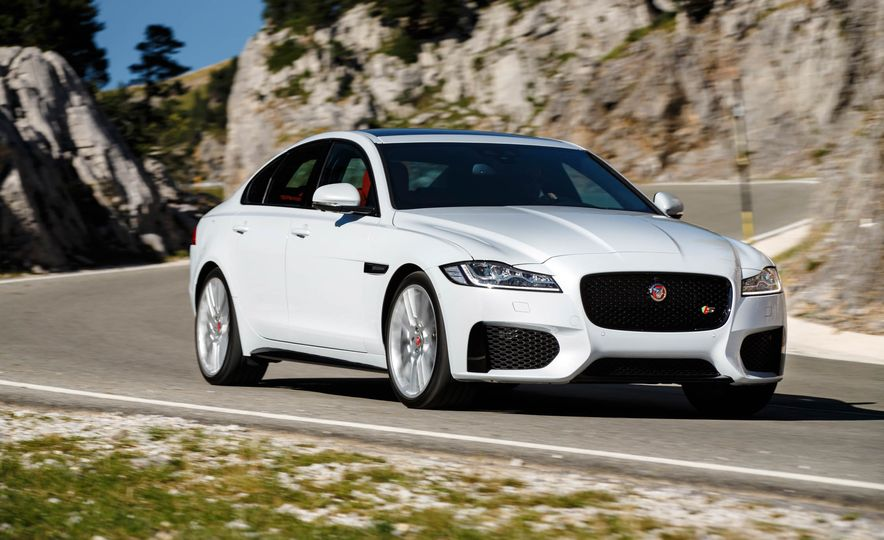 2016 Jaguar XF S - Slide 1