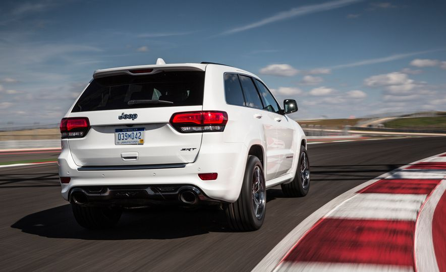2016 Jeep Grand Cherokee SRT - Slide 2
