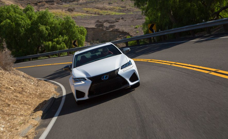 2016 Lexus GS F - Slide 3
