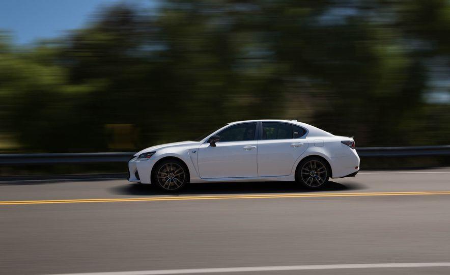 2016 Lexus GS F - Slide 5