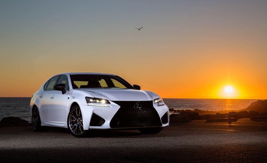 2016 Lexus GS F - Slide 10