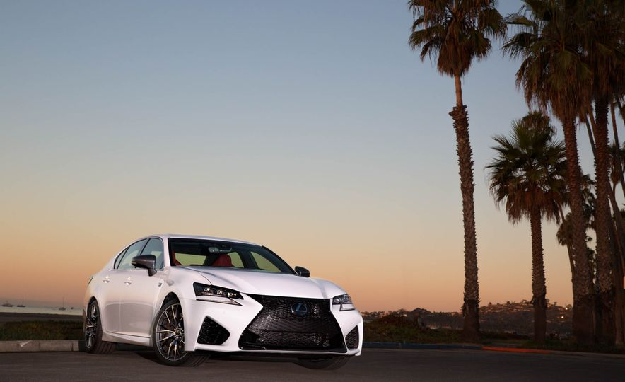 2016 Lexus GS F - Slide 11