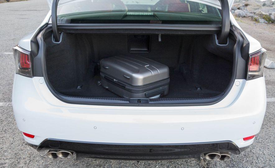 2016 Lexus GS F - Slide 37
