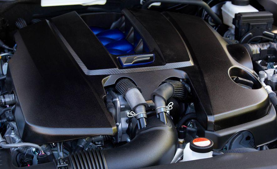2016 Lexus GS F - Slide 38