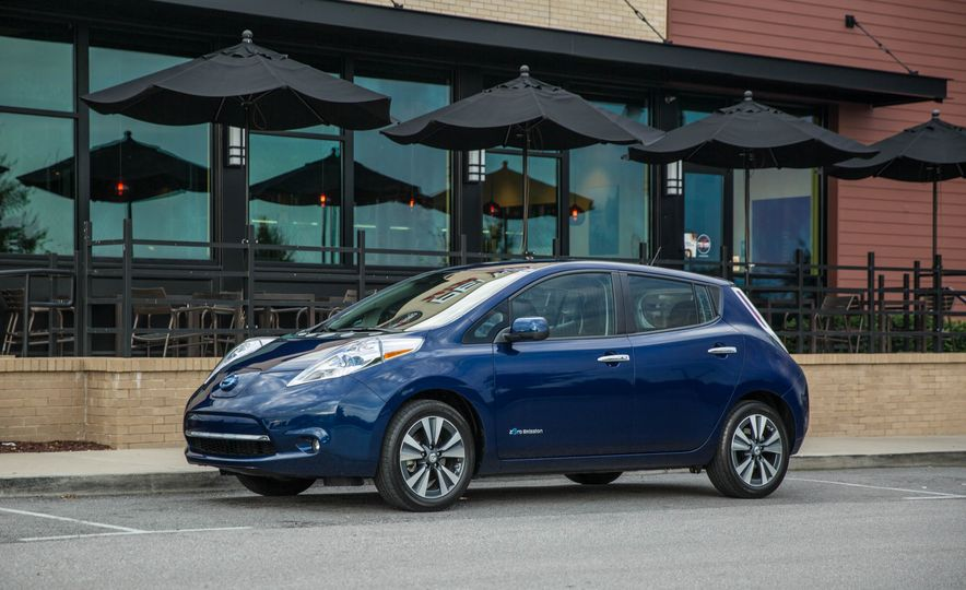 2016 Nissan Leaf - Slide 3