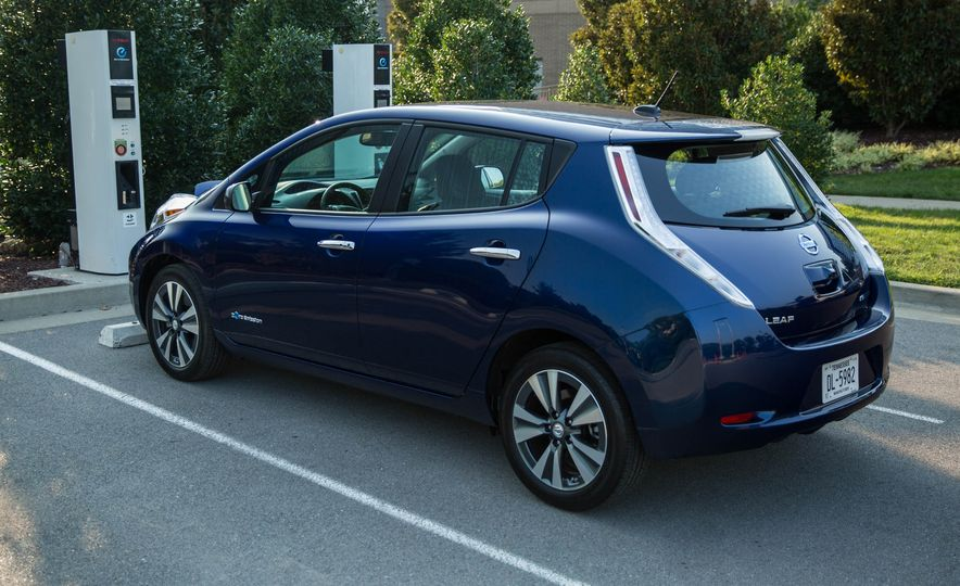2016 Nissan Leaf - Slide 8