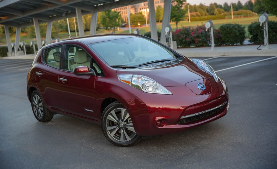 2016 Nissan Leaf - Slide 9