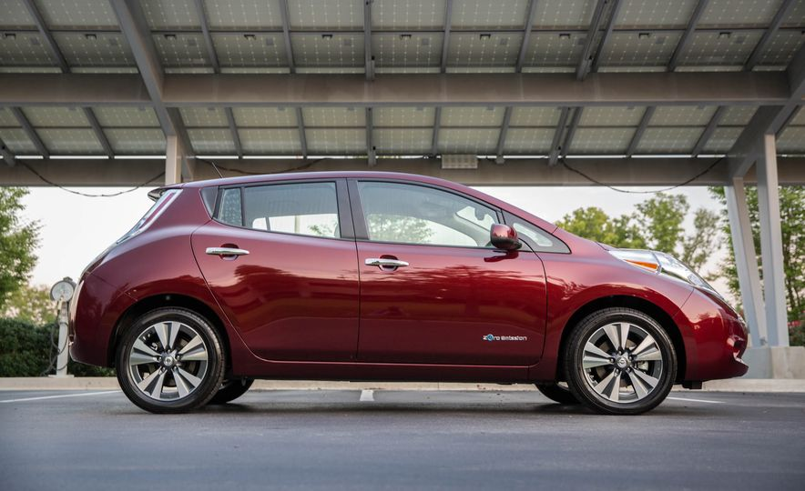 2016 Nissan Leaf - Slide 10