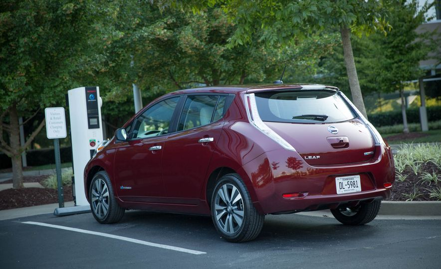 2016 Nissan Leaf - Slide 11