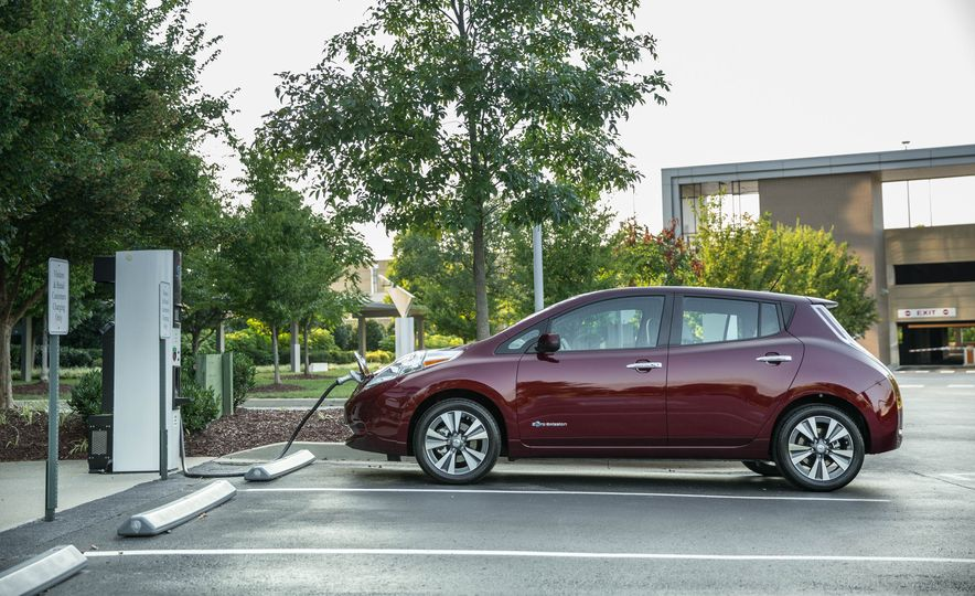 2016 Nissan Leaf - Slide 12