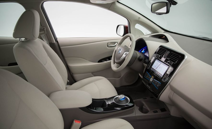 2016 Nissan Leaf - Slide 21