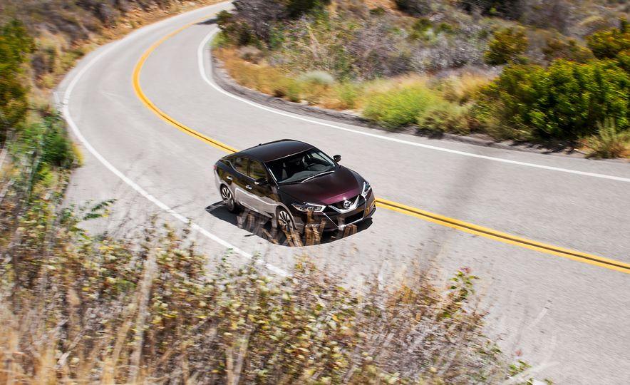 2016 Nissan Maxima SR - Slide 3