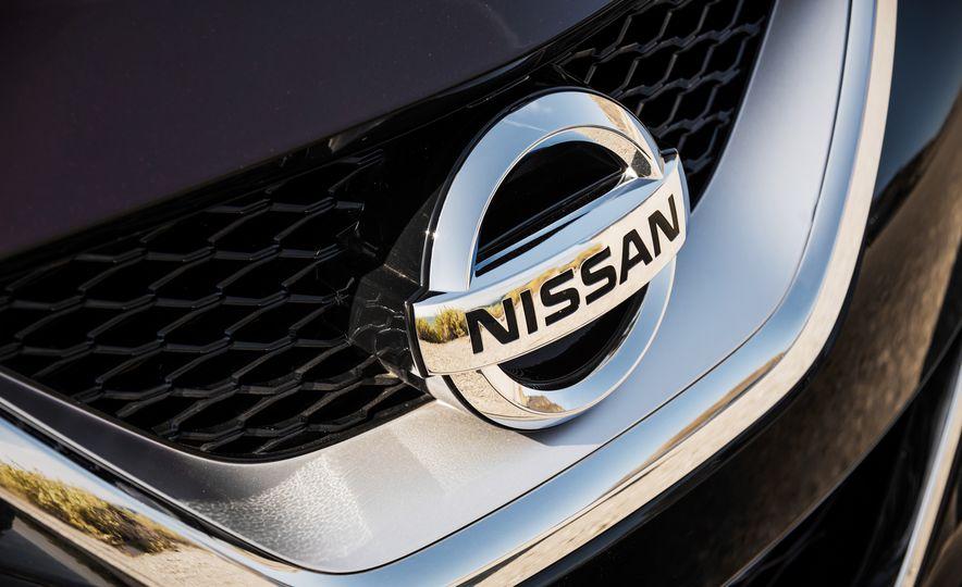 2016 Nissan Maxima SR - Slide 16