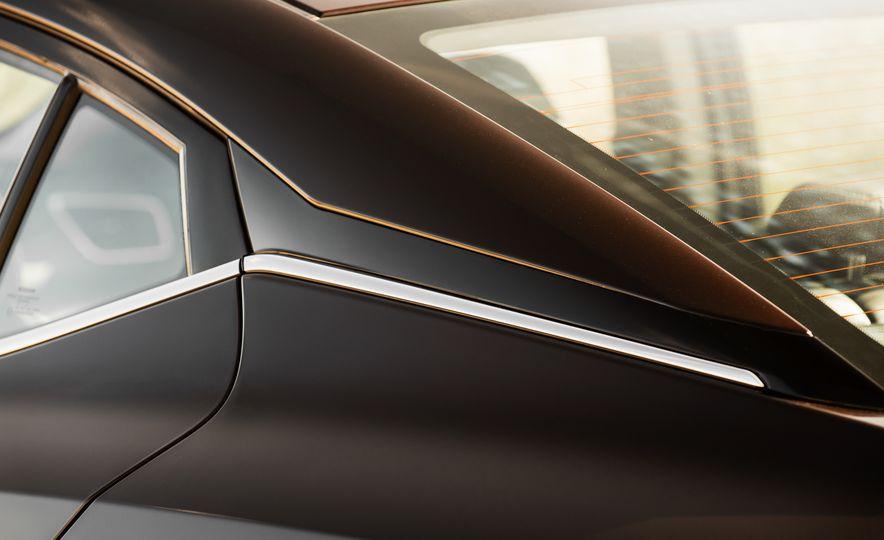 2016 Nissan Maxima SR - Slide 21