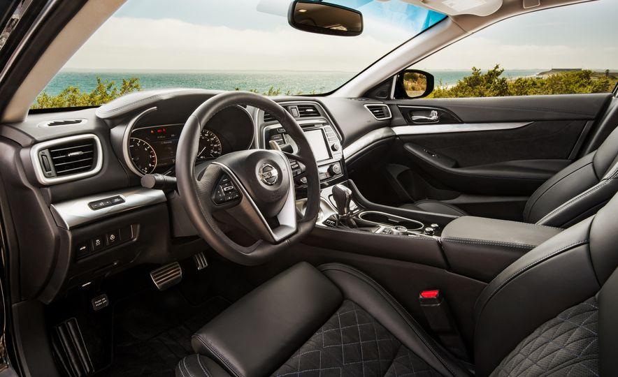 2016 Nissan Maxima SR - Slide 25