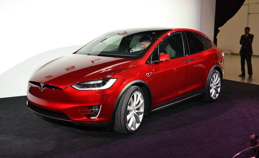 2016 Tesla Model X - Slide 3