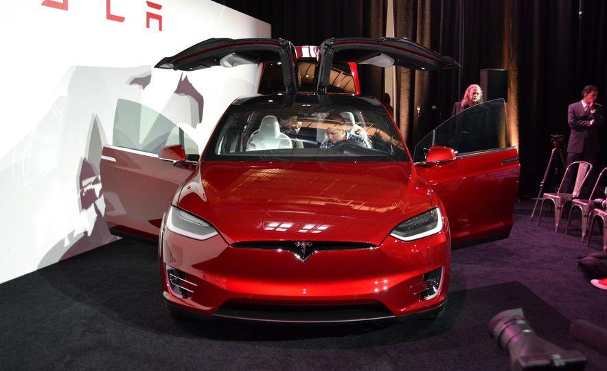 2016 Tesla Model X - Slide 4